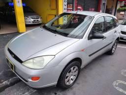Título do anúncio: Ford Focus Hatch 2001 Completo Lindo