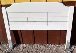 Título do anúncio: Cabeceira de cama box de 1,38, branca.