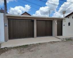 Casa com 4 quartos __-Ref. GM-0156