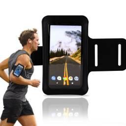 """Braçadeira esportiva suporte para celular até 6.5"""" ajustável até 45cm com porta chave"""