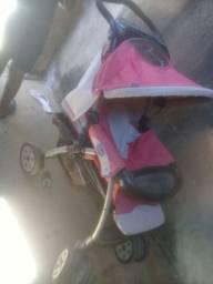 Vendo esse carrinho de bebe usado