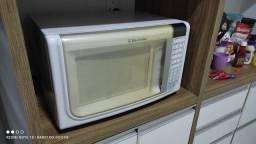Título do anúncio: Micro-ondas Electrolux 30 litros ((ENTREGO GRÁTIS))