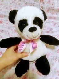 Urso panda de pelúcia