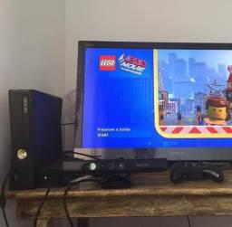 Xbox 360 / Kinect / 250GB / LT 3.0 / 4 Jogos