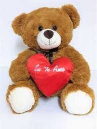 Urso De Pelúcia Com Coração Eu Te Amo - 36 Cm