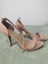 Vendo sandália vizzano n 38