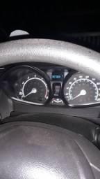 Carro de garagem bem conservado carro de procedência - 2014