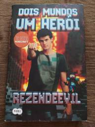 Livro Dois mundos um herói, rezendeevil