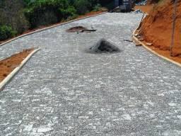 Pavimento Pedras Paralelepípedos e Meio Fio