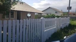 Linda casa nova 02 qts. murada, amplo quintal, Iguaba Grande.