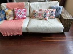 Título do anúncio: Sofá de couro com palhinha