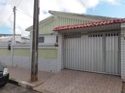 Título do anúncio: COD C-52 Casa no bairro de Jaguaribe com 5 quartos bem localizada.