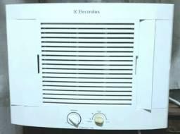 Título do anúncio: Ar Condicionado Eletrolux 7.500Btus *Funcionando Perfeitamente*