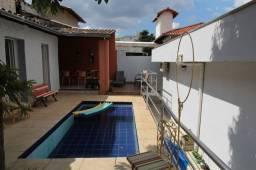 Título do anúncio: Casa à venda, 4 quartos, 2 suítes, 3 vagas de garagem, 267m² no Itapoã