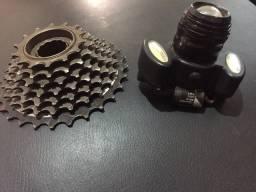 Farol e catraca de bike