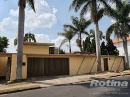 Título do anúncio: Casa para aluguel, 4 quartos, 4 suítes, 4 vagas, Morada da Colina - Uberlândia/MG