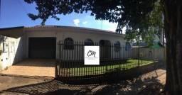 Casa no Centro - 01 Suíte + 02 Dormitórios !!!