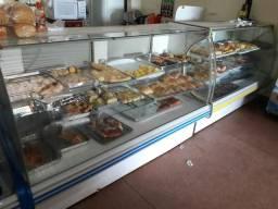 Mercado, padaria e açougue