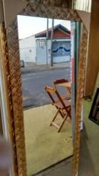 Espelho com moldura