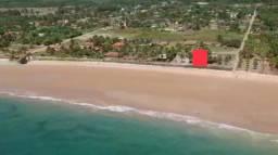 Oportunidade, terreno frente para a praia, pé na areia