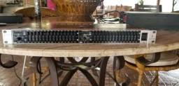 Equalizador Behringer Pro FBQ1502