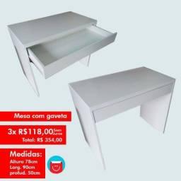 Mesa em MDF Branco com gaveta