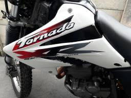 Moto Tornado 2002 - 2002