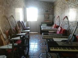 Aula de violão e teclado C. Nova 6