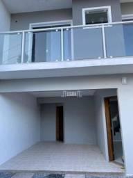 Sobrado com 3 dormitórios à venda, 112 m² por R$ 360.000,00 - Bom Retiro - Joinville/SC