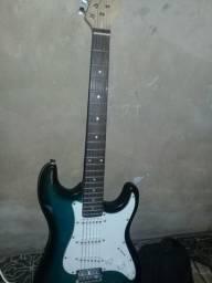 Estou querendo vender essa Guitarra da marca Waldman