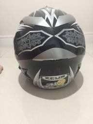 Vendo capacete zeus em ótimo estado!!