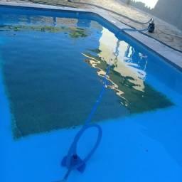 Título do anúncio: Limpeza e tratamento de piscinas em residências e condomínios e áreas de lazer.