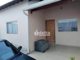 Título do anúncio: Casa com 3 dormitórios à venda, 140 m² por R$ 350.000,00 - Shopping Park - Uberlândia/MG