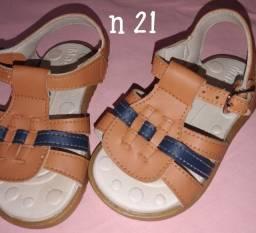 Título do anúncio: Calçados de menino usado conservado
