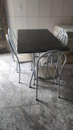 Título do anúncio: Mesa De Cozinha de ferro com Tampo de Granito