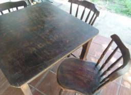 Título do anúncio: Vendo conjunto mesa e cadeiras