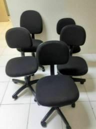 Título do anúncio: Compramos vendemos consertamos móveis de Escritórios escolares Seminovos