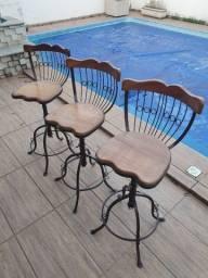 Lindo conjunto três banquetas cadeiras bistrô novo