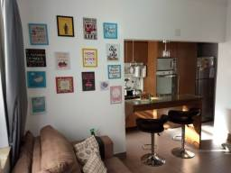 Título do anúncio: Maravilhoso apartamento todo reformado colado ao metrô