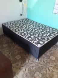Vendo essa cama   de casal  por  200  reais  me liga. 9.9295.1014. Entrego aqui perto.