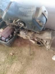Caixa de marcha e tanque de combustível