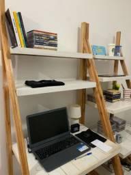 Mesa e estante para escritório