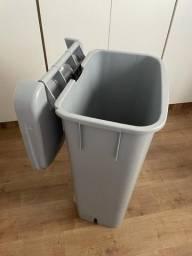 Título do anúncio: Carrinho Coletor de Lixo com Pedal