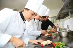 Título do anúncio: Precisa - se de auxiliar de cozinha com experiência comprovada