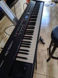 Stage Piano Roland RD700GX
