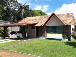 Linda Casa Terrea c/ 4 suites no cond. greenville 1