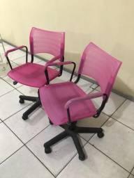 Duas Cadeiras giratórias