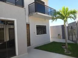 Casa duplex no Vale das Palmeiras novinha, toda planejada e ótimo preço! Confira