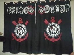 Cortina do Corinthians preta