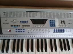 Teclado musical 320,00